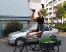 哇,这样骑车也可以啊