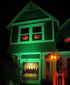 这房子晚上会吓死人吧!