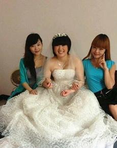 新娘最大的错误就是找比自己好看的伴娘