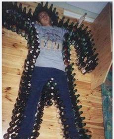 跟好基友聚会喝酒一定要悠着点