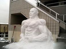 这是我见过最霸气的雪人!