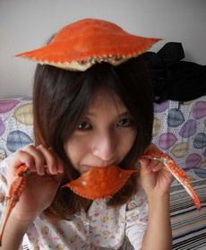 妹子,你是要變成螃蟹了么