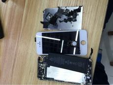 沒事手賤把手機拆了,結果坑爹了裝不回去了