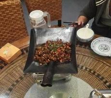 原来一铁锹干锅鸡块是酱紫