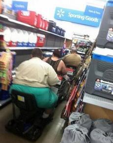 胖纸们逛超市的独特方式