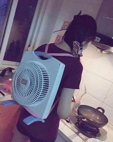夏天在廚房做飯