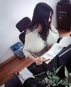 新招来的秘书就是不一般