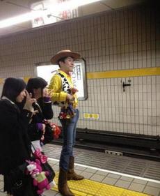 在地铁发现一只伍迪,这cos简直神了