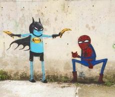 被玩坏了的俩超级英雄