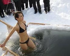 俄羅斯的女人不怕冷!