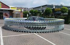 這是欠了超市多少錢呀?!