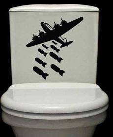 这马桶就得接受轰炸