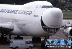 開口笑的飛機
