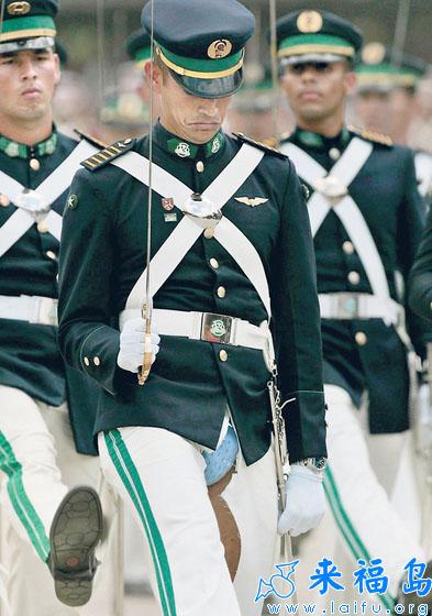 质量太差的军服