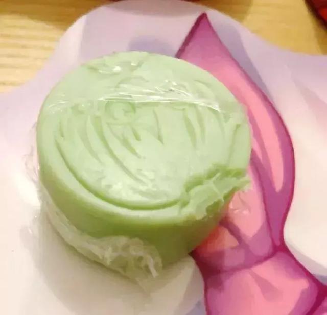 尼玛!是香皂!这个牙印看着好悲伤哦