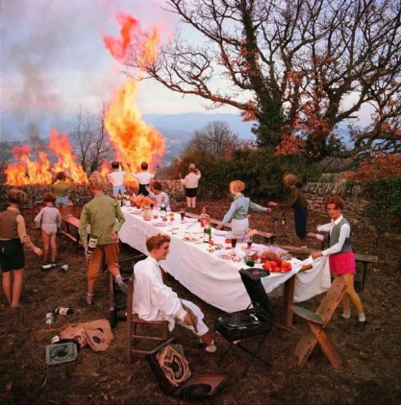 热火朝天的宴会现场